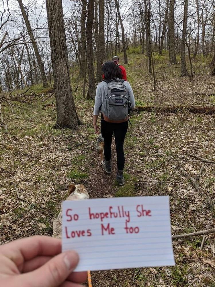 Pria asal Carolina Utara memutuskan untuk melamar kekasihnya dengan cara yang tidak akan mereka lupakan seumur hidup. Berikut kisahnya.