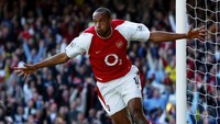 Thierry Henry Bukan Striker Terbaik Arsenal, Lalu Siapa?