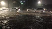 Jakarta Hujan Deras, Banjir Rendam Jl Teuku Nyak Arif Kebayoran Lama