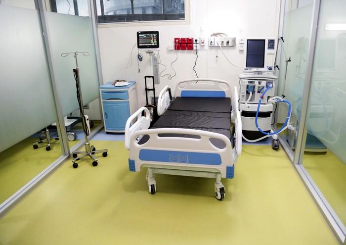 CT Corp memberikan bantuan peralatan medis ke RSCM, Jakarta Pusat. Bantuan ini merupakan bantuan yang diberikan bersama Bank Mega didukung Astra dan Indofood.