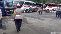 Video Polisi Bubarkan Aksi Konvoi Sopir Bus di Karanganyar
