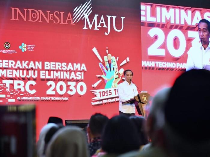 Presiden Jokowi saat mencanangkan gerakan Indonesia bebas TBC tahun 2030.