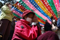 Budha lahir sekitar 2.564 tahun yang lalu, dan meskipun tanggal pastinya tidak diketahui.