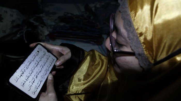 Saat bulan Ramadhan, seorang muslim  yang melakukan ibadah akan mendapatkan pahala berlipat ganda. Salah satunya dengan membaca kitab suci Al Quran.
