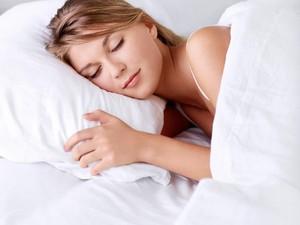 Ini Alasan Orang Suka Selimutan Saat Tidur Walau Tidak Kedinginan