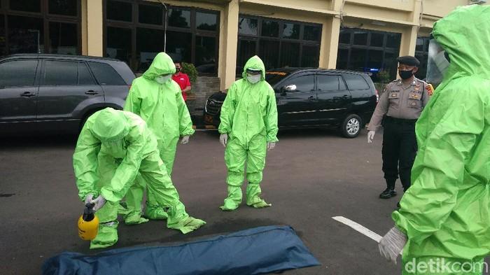 Anggota Polresta Cirebon dibekali pengetahuan protokol kesehatan saat bencana