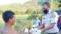 KKP Bagikan Nasi Ikan untuk Berbuka Puasa Sampai ke Warga Perbatasan