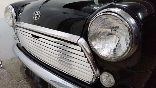 Toyota Agya disulap jadi Mini Cooper klasik