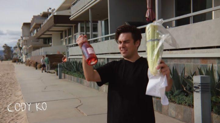 Rich Brian kirim paket makanan via drone