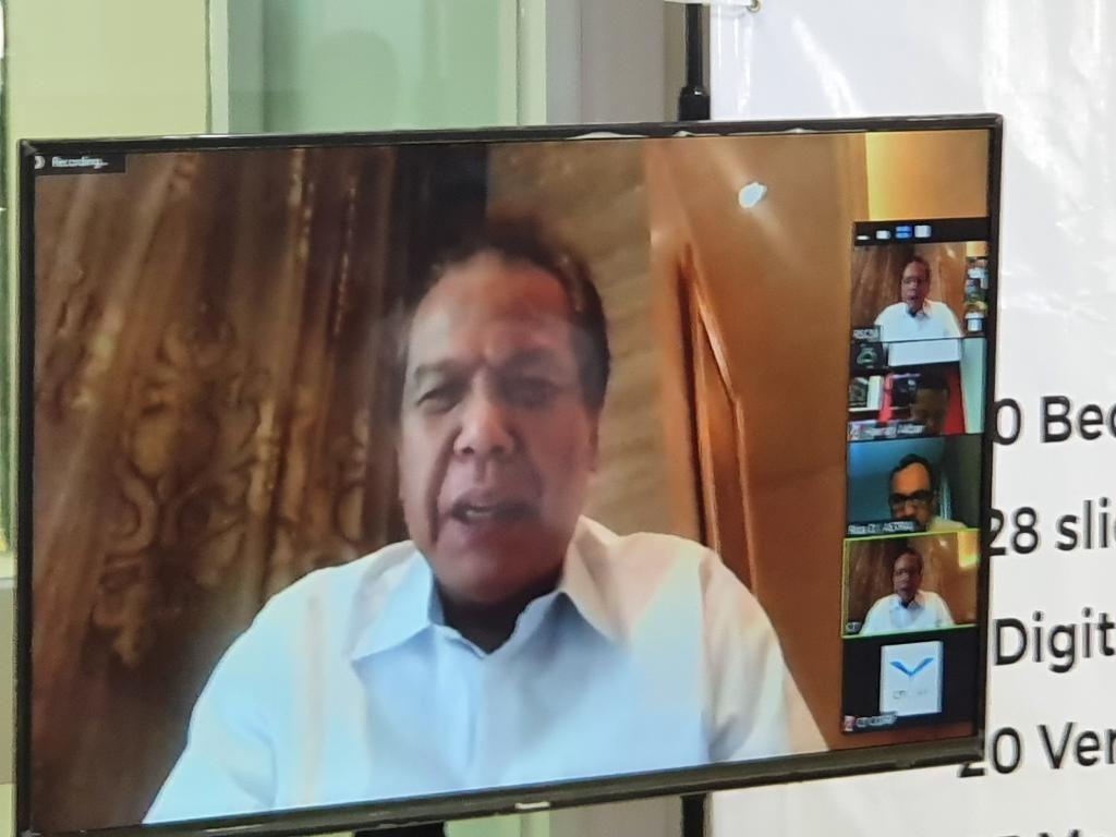 Chairman CT Corp, Chairul Tanjung, dalam video conference saat penyerahan bantuan ke RSCM. (Isal Mawardi/detikcom)
