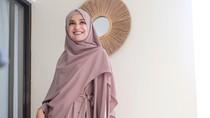 Foto: Cantiknya Shireen Sungkar OOTD Hijab #dirumahaja Saat Ramadhan