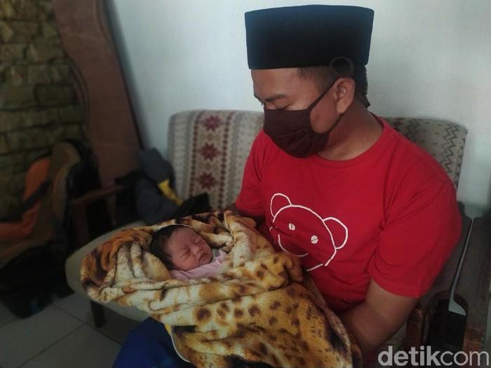 Bayi di Cianjur Bernama Corona