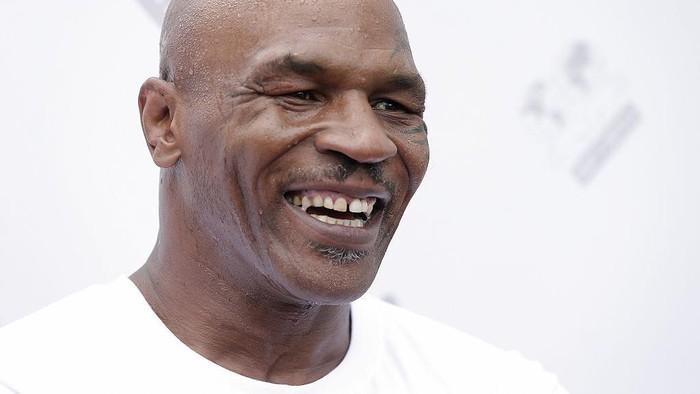 Mantan juara dunia tinju kelas berat Mike Tyson berencana akan kembali naik ring tinju untuk melakukan pertandingan amal.
