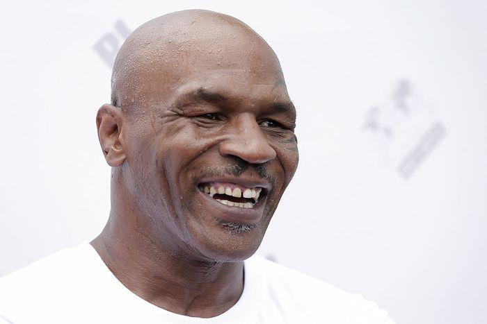 Mantan petinju profesional yang perch menuarai WBA, WBC dan IBF, Mike Tyson berencana akan kembali naik ring tinju untuk melakukan pertandingan amal.