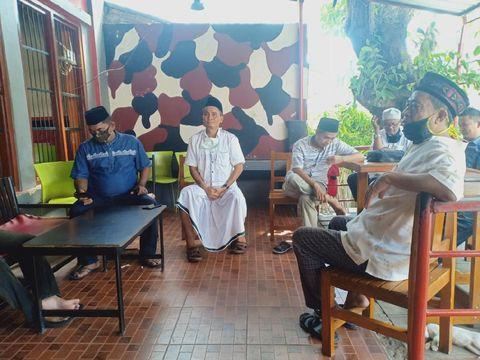 FPU Kota Pareprae menggelar konferensi pers terkait pembubaran salat Jumat oleh Camat Ujung.