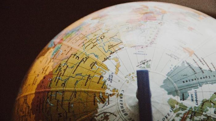 Cara mudah belajar tentang Bumi bulat dari rumah aja.