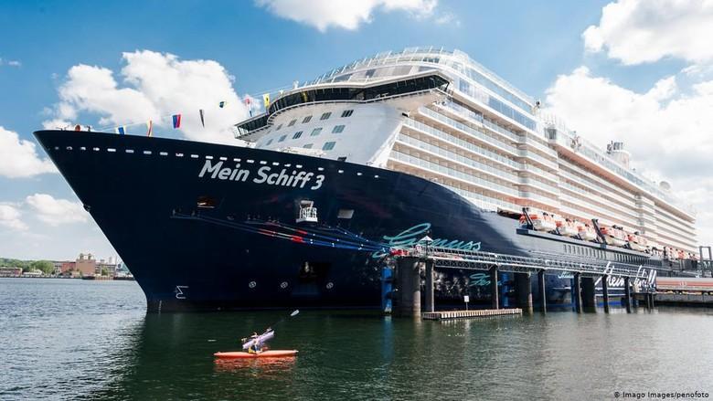 Hampir 3.000 Awak Kapal Pesiar TUI Cruises Dikarantina