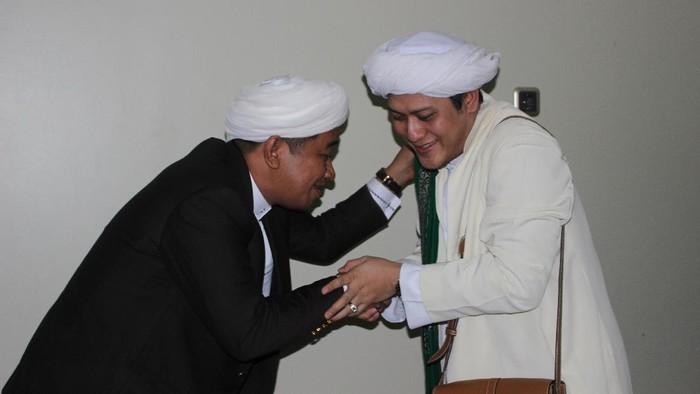Momen Gus Anom dan Guru Zuhdi