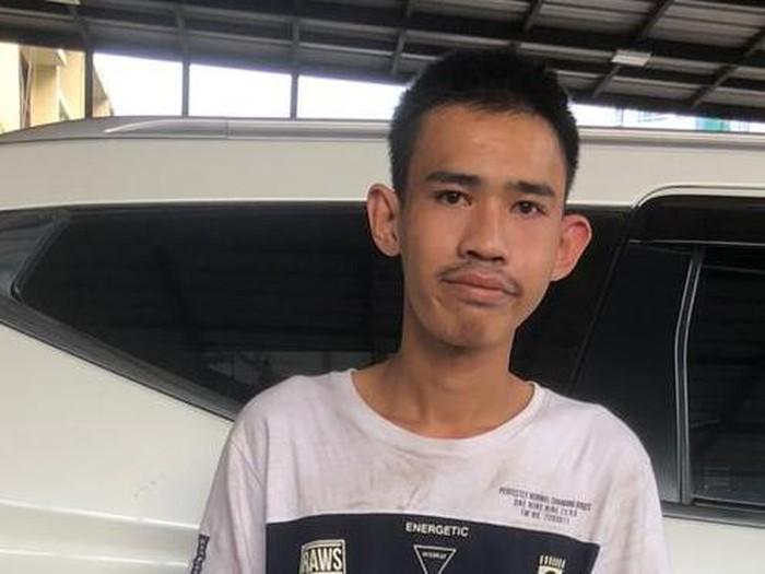Irham (23), tersangka perampokan taksi online di Jalan Gurame, Pulo Gadung, Jaktim
