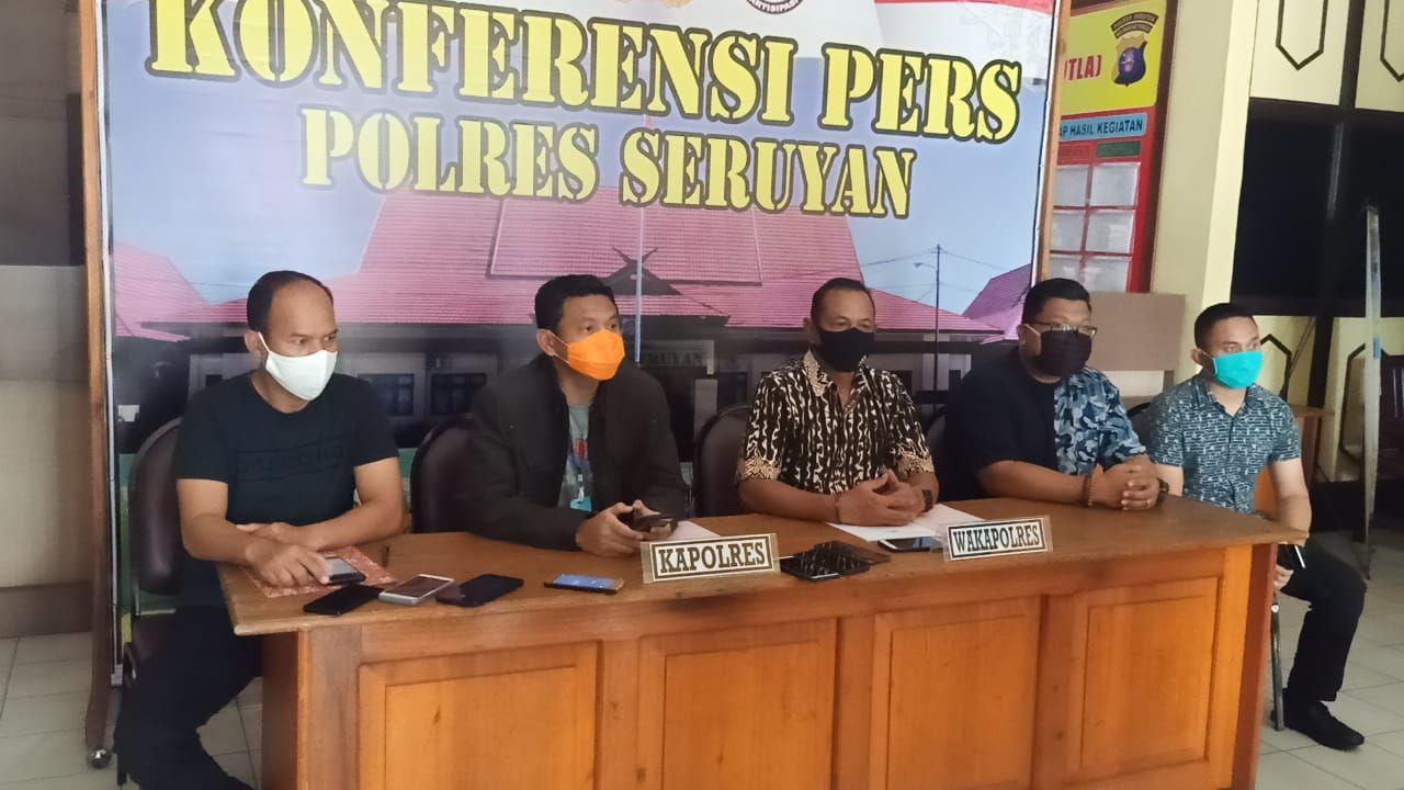 Konferensi pers Polres Seruyan