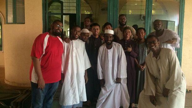 Foto bersama peserta itikaf di masjid MTN