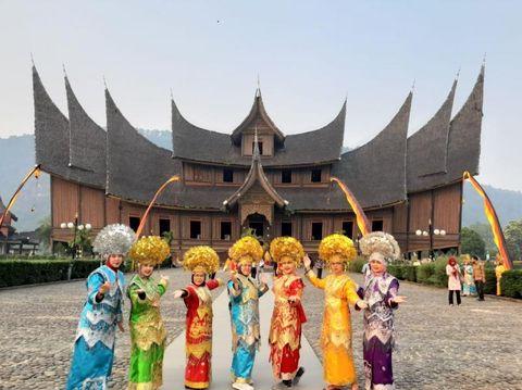 Objek wisata di Sumatera Barat.