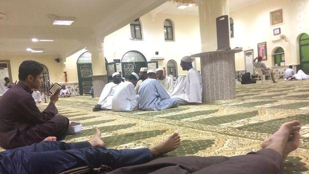 Suasana masjid MTN