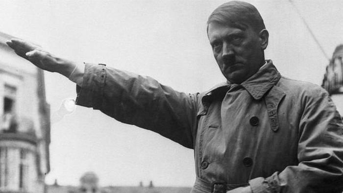 Adolf Hitler: Bagaimana pemimpin Nazi ini meninggal dan mengapa banyak misteri di seputar kondisi jenazahnya?