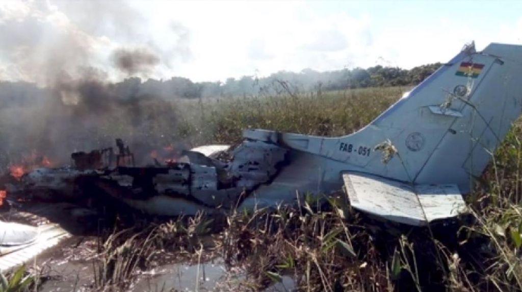 Pesawat Militer Bolivia jatuh, Tak Ada yang Selamat