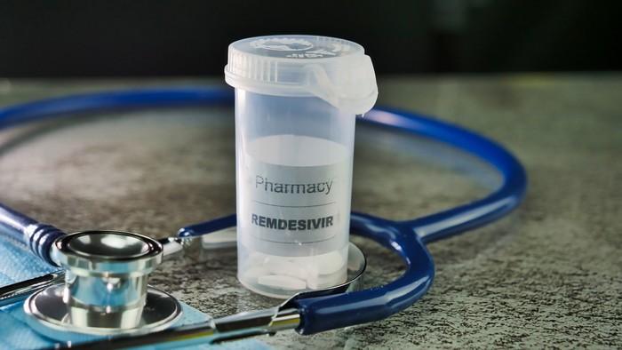 Traitement possible par Remdesivir pour traiter le coronavirus Covid-19