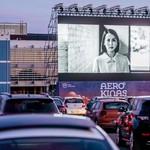 Potret Ratusan Mobil Padati Bioskop Drive-In di Apron Bandara