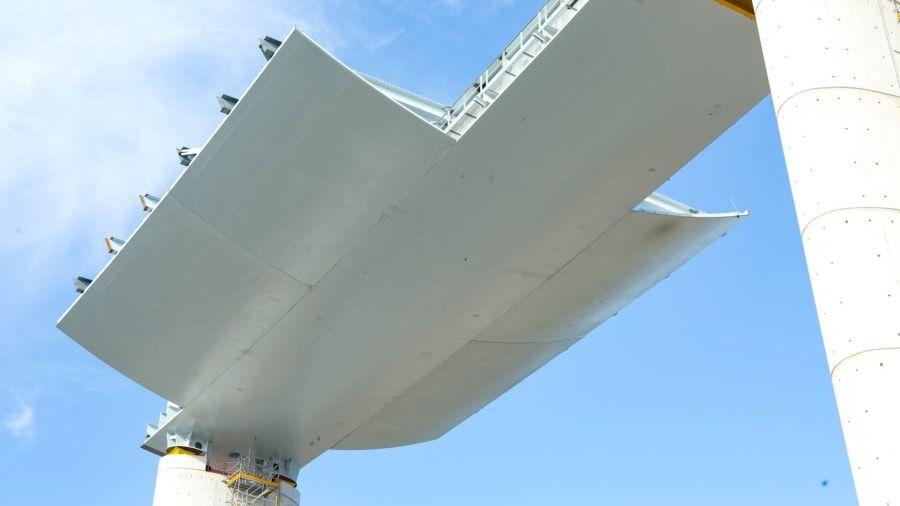Jembatan Morandi baru di Genoa Italia mirip lambung kapal
