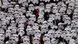 #Maythe4thbewithyou, Ini Momen Darth Vader Invasi Laga Sepakbola