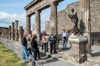 Seperti diketahui, di masa lalu Pompeii merupakan salah satu kota yang termahsyur di tanah Romawi. Bagi orang Romawi, Pompeii memang surga. Jika kini kita mengenal Las Vegas yang kerap disebut sebagian orang sebagai kota para pendosa, Kerajaan Romawi Kuno sudah lebih dulu punya Pompeii yang disebut sebagai surga dunia. Giorgio Cosulich/Getty Images.