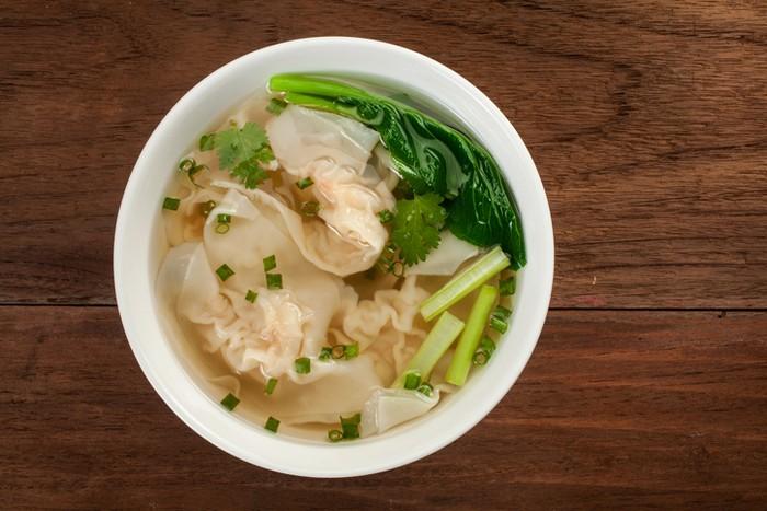Sup Pangsit Ayam dan Udang