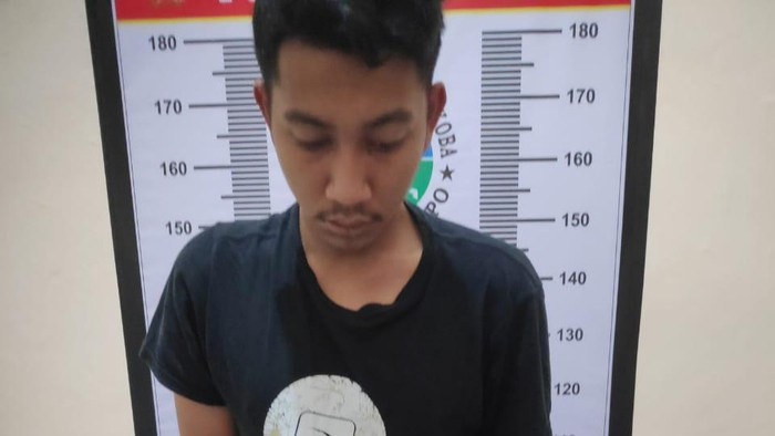 Pemuda berinisial MI ditangkap aparat lantaran mengedarkan sabu