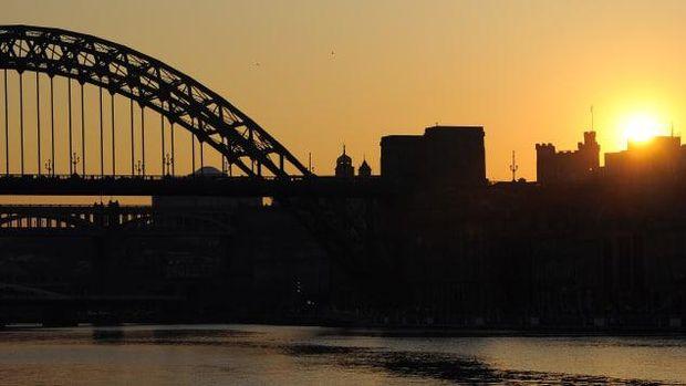 Jembatan Gateshead Millennium Inggris, (Foto ANDREW YATES/AFP/AFP/Getty Images via CNN)