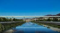 Jembatan Morandi yang ambruk di Genoa, Italia dibangun kembali. Inilah penampakan terbarunya, mirip kapal terapung