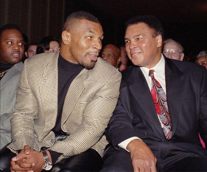 Mike Tyson dan Muhammad Ali, Bukti di Atas Langit Masih Ada Langit (AP)