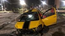 Mobil Sedan Tabrak Pembatas Bundaran HI, Pengemudi Alami Luka-luka