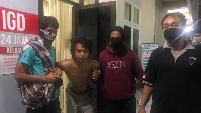 Buronan jambret di Lombok Barat ditembak petugas karena berusaha kabur saat ditangkap (dok. Istimewa)
