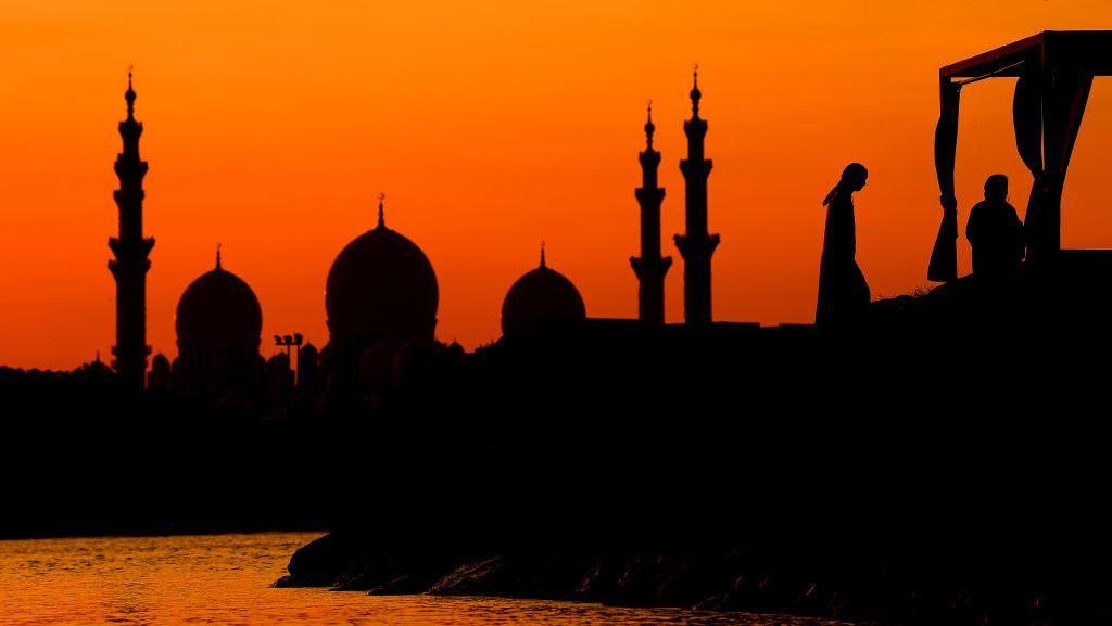 Uni Emirat Arab Mulai Buka Masjid 1 Juli Besok, Sholat Jumat Masih Ditiadakan