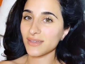 Viral di TikTok, Ahli Kecantikan Ungkap Cara Menebalkan Bibir dengan Pijatan