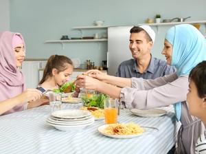 Cara Seru dan Aman Bukber Bareng Keluarga di Masa Pandemi COVID-19