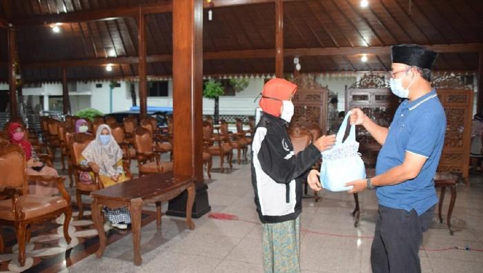 Warga Desa Sirau kembalikan BLT ke Bupati Banyumas