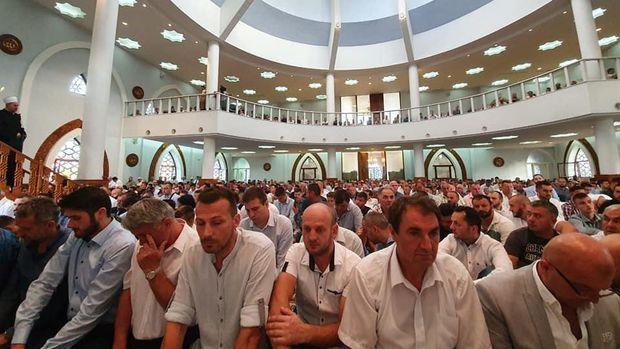 Umat Muslim Bosnia di Istiklal Dzamija