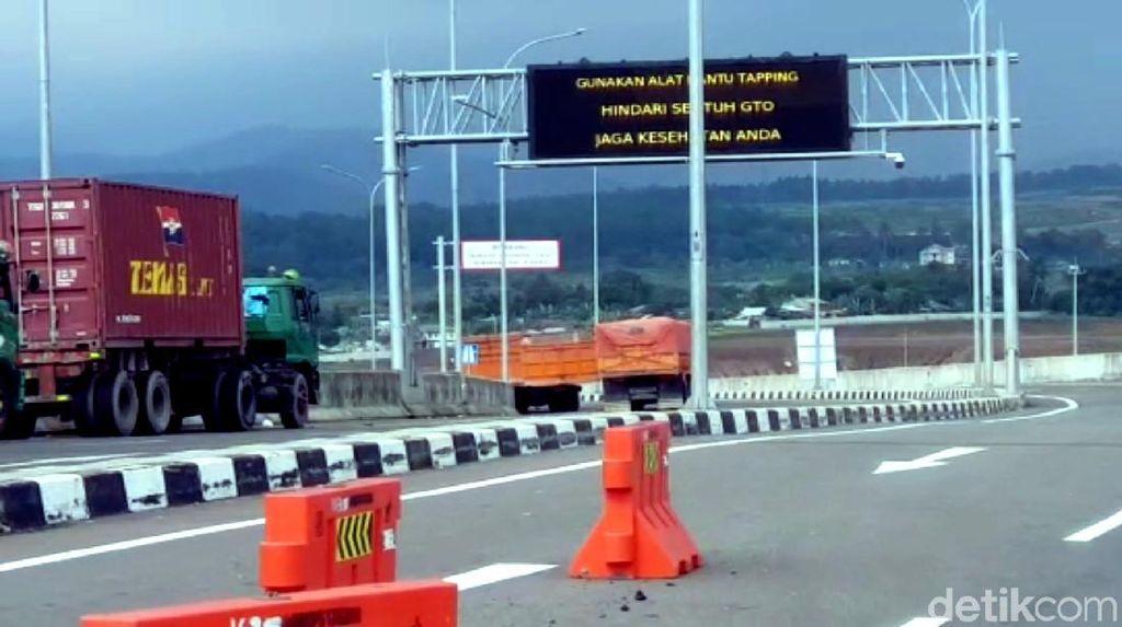 Hari Pertama PSBB Jabar, Arus Kendaraan Tol Bocimi Turun Drastis