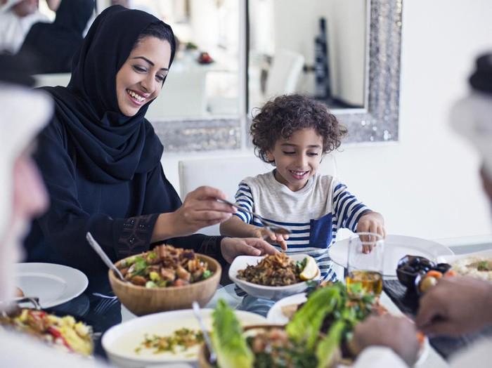 5 Cara Ajarkan Anak Doa Puasa Ramadhan
