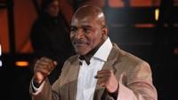 Siap-siap! Evander Holyfield Ikuti Mike Tyson, Mau Naik Ring Lagi