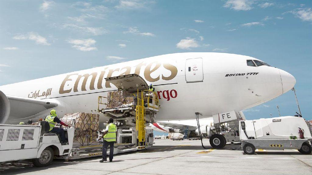 Ratusan Pilot Emirates Siap Kena PHK